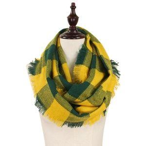 NWT  Green and Yellow Buffalo Check Infinity Scarf